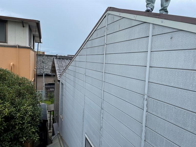 和歌山市でケラバ水切りの補足工事。しっかり雨仕舞できるよう施工します