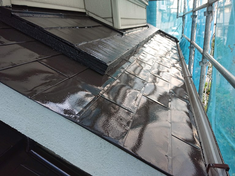 和歌山市でスレート屋根と金属屋根の塗装が完成しました