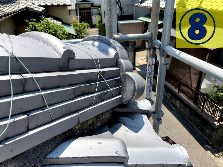 和歌山市で下り棟部分の鬼瓦の漆喰を詰めます