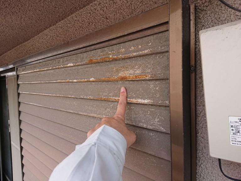 和歌山市で雨戸の錆も気になるようでした