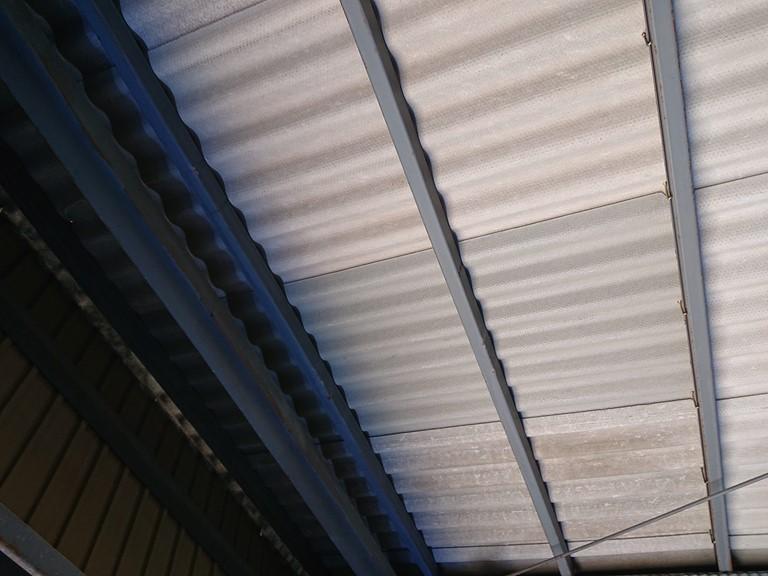 和歌山市のガレージ屋根破損で修理したあと中から見た写真