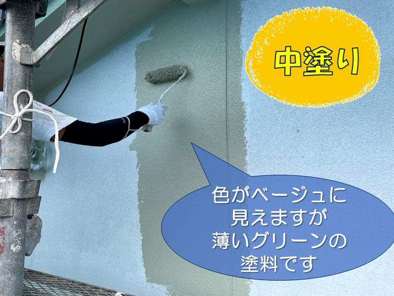 和歌山市の外壁塗装で中塗はパーフェクトトップを使用します
