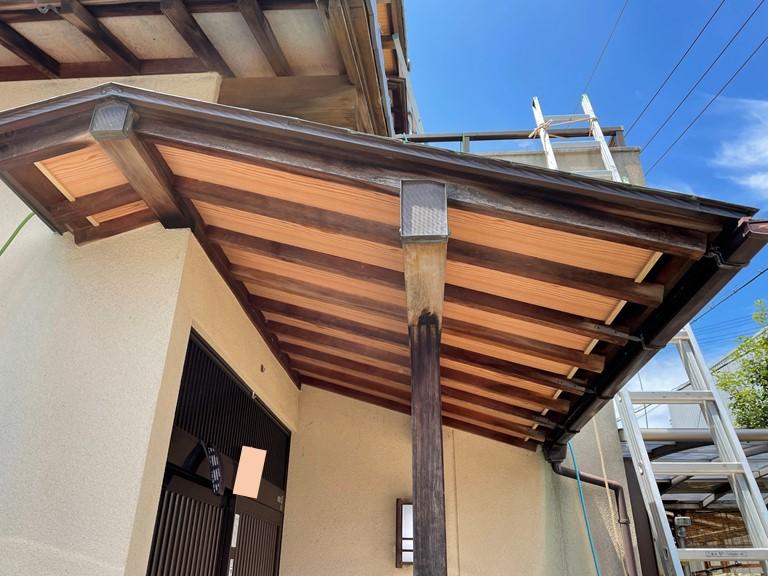 和歌山市の玄関庇張替工事が完成しました