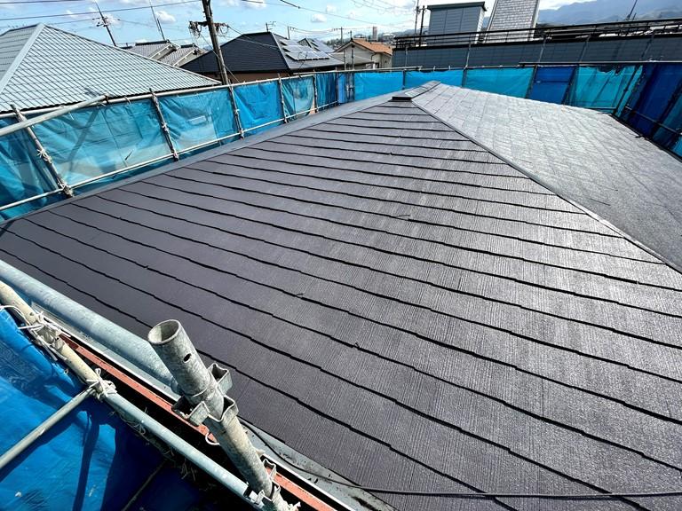 岩出市でコロニアルの屋根塗装工事、遮熱塗料のサーモアイを使用