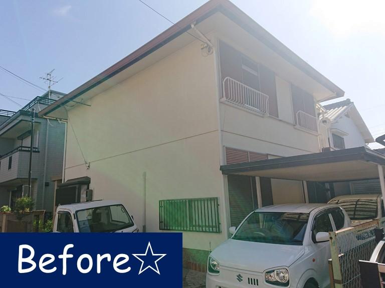 岩出市の屋根・外壁・付帯部塗装を行う前の写真、雨戸・カーポートも入れ替えます