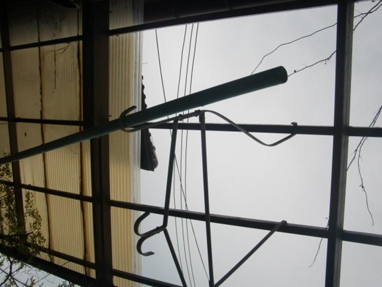 和歌山市の飛散したテラスの波板
